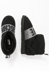 Love Moschino - WINTER LOVE - Classic ankle boots - black - 3
