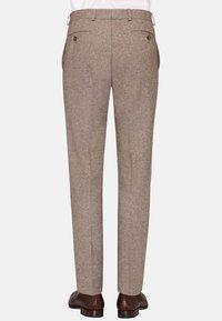 Carl Gross - CG SHIVER - Suit trousers - hellbraun - 1
