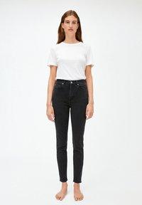 ARMEDANGELS - INGAA - Slim fit jeans - washed down black - 1