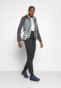 Gore Wear - C5 DAMEN GORE-TEX ACTIVE TRAIL HOSE - Outdoor trousers - black - 4