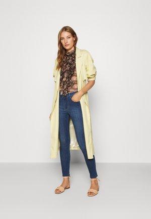 CELIA - Jeans Skinny Fit - teal stone