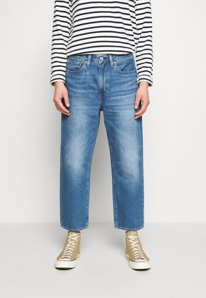 STAY LOOSE DENIM CROP - Relaxed fit -farkut - blue denim
