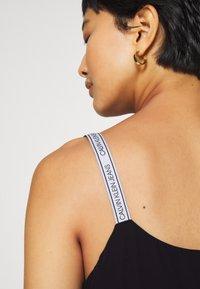 Calvin Klein Jeans - LOGO STRAP TANK - Top - ck black - 5