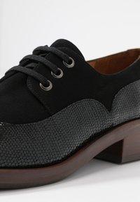 Chie Mihara - XALIS - Šněrovací boty - black - 2