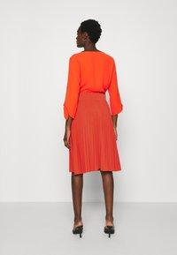 Anna Field - Plisse A-line mini skirt - Falda acampanada - orange - 2