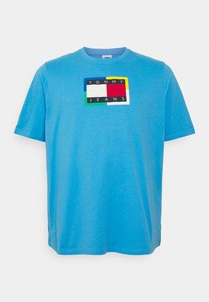 PLUS FLAG TEE - T-shirt print - frigid blue