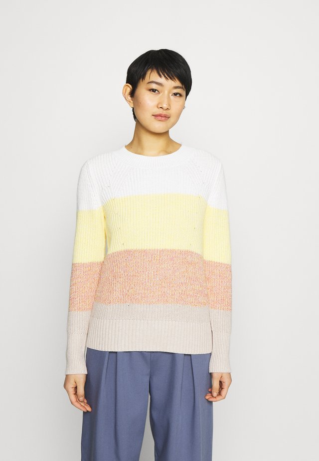 DIRECTIONAL RELAXED CREW - Jersey de punto - bold white