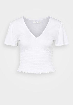 SMOCKED FLUTTER SLEEVE - Print T-shirt - white