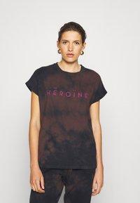 Maison Hēroïne - T-shirt print - midnight - 0