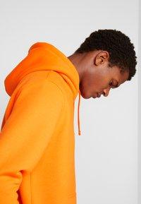 Alpha Industries - BASIC HOODY SMALL LOGO - Sweat à capuche - neon orange - 3