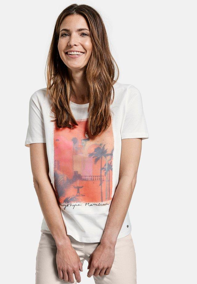 T-shirt print - shell