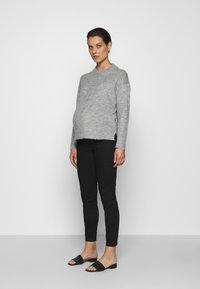 LOVE2WAIT - KEIRA CROPPED - Slim fit jeans - black - 1