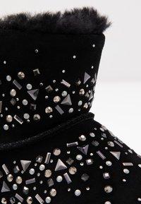 UGG - CLASSIC GALAXY BLING MINI - Boots à talons - black - 2