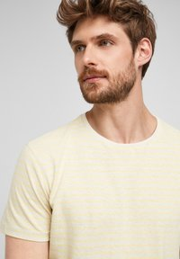 s.Oliver - Print T-shirt - yellow - 5