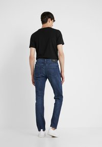 KARL LAGERFELD - Slim fit jeans - blue denim - 2