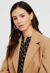 Pieces - Earrings - gold-coloured - 1