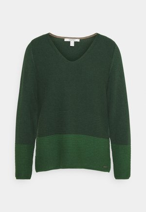 CORE VNECK - Jumper - dark green