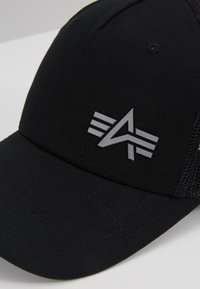Alpha Industries - TRUCKER SMALL LOGO - Cap - black - 6