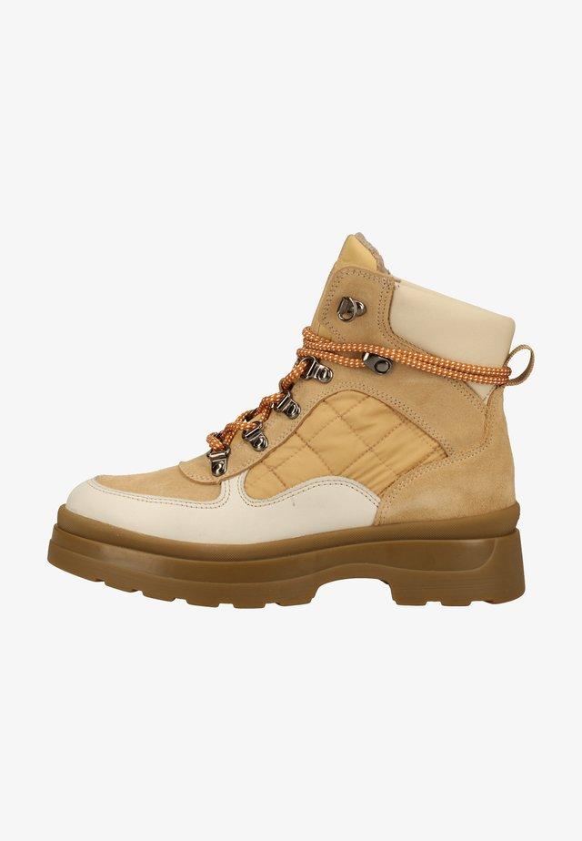 Winter boots - multi beige