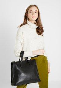 FREDsBRUDER - IWAKI - Handbag - black - 1
