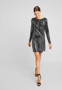 Gina Tricot - KERRA GLITTER DRESS - Cocktailkjoler / festkjoler - black - 2