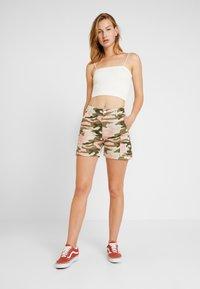 TWINTIP - Shorts - dark green - 1
