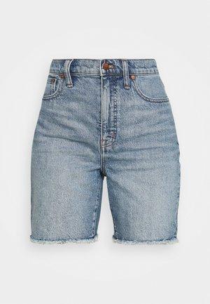 HIGH RISE MID LENGTH - Denim shorts - blue denim