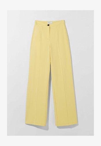 WIDE LEG - Pantalon classique - yellow