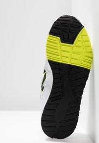 ASICS - GELSAGA - Sneakers - white/black - 4