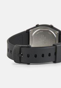 Casio - Digitální hodinky - black - 1