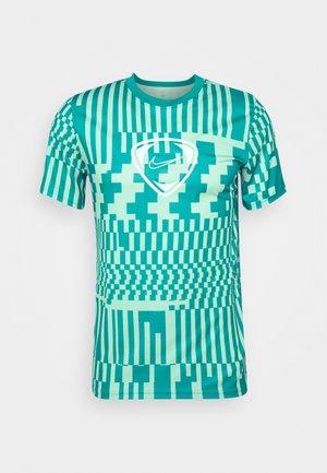 DRY - Camiseta estampada - light dew/aquamarine/white