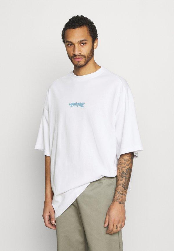 Weekday MEGA OVERSIZED - T-shirt z nadrukiem - white light/biały Odzież Męska OPBW