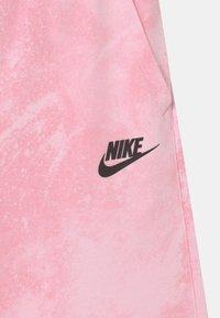 Nike Sportswear - MAGIC CLUB  - Shorts - pink foam - 2