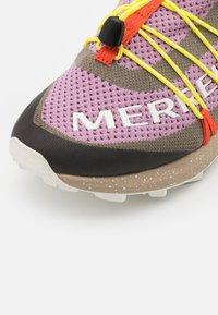 Merrell - LONG SKY SEWN - Běžecké boty do terénu - brindle - 5