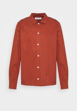 TAKA - Shirt - picante
