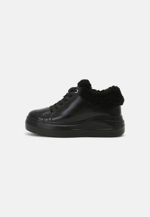 FROPY - Sneakers laag - black