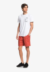 Quiksilver - BRAIN WASHED 18 - Shorts - redwood - 1