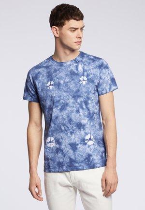 GOSTA - T-shirt z nadrukiem - blue