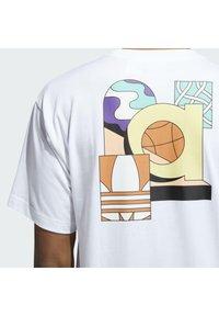 adidas Originals - STILL LIFE SUMMER SHORT SLEEVE T-SHIRT - Print T-shirt - white - 5