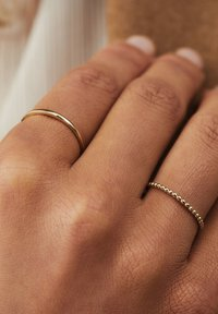 Isabel Bernard - Ring - gold - 1
