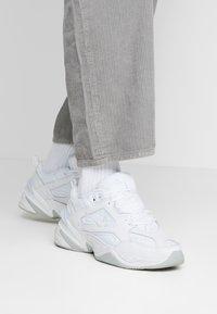Nike Sportswear - M2K TEKNO - Sneakers laag - white/pure platinum - 0