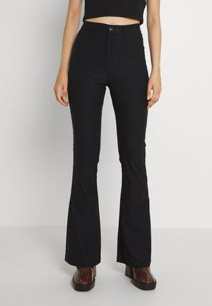 VMAUGUSTA FLARE SOLID PANT - Pantalon classique - black