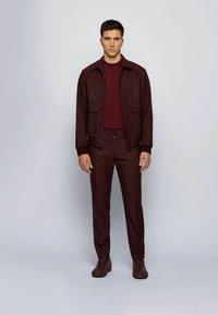 BOSS - IMATTEO - T-Shirt basic - dark red - 1
