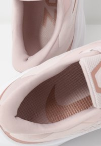Nike Performance - ZOOM WINFLO  - Neutral running shoes - barely rose/metallic red bronze/stone mauve/metallic silver - 6