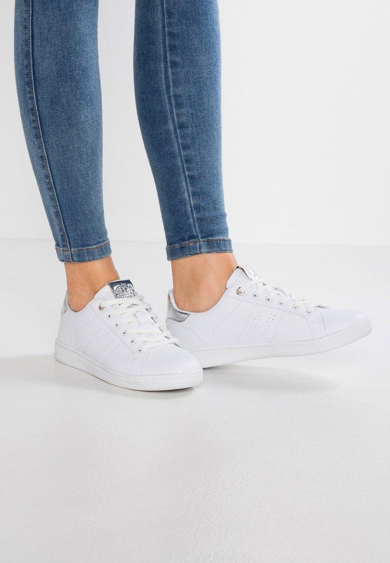 H.I.S - Sneakersy niskie - white/silver
