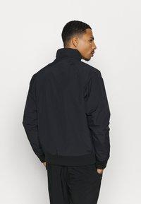 Columbia - FALMOUTH JACKET - Outdoor jacket - black/fjord blue - 2