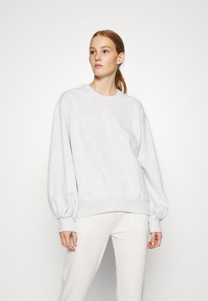 Abercrombie & Fitch - LOGO PUFF SLEEVE CREW - Sweatshirt - grey