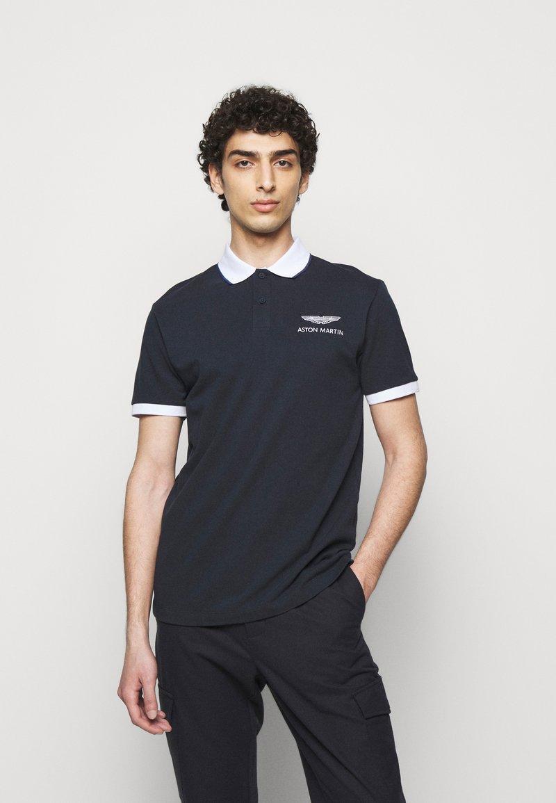 Hackett Aston Martin Racing - Poloskjorter - navy