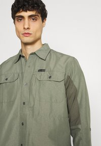 Wrangler - ALL TERRAIN GEAR - Camisa - dusty olive - 3