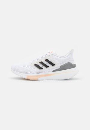 EQ21 RUN - Scarpe running neutre - white